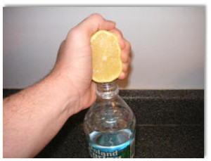 lemon water stop bloating